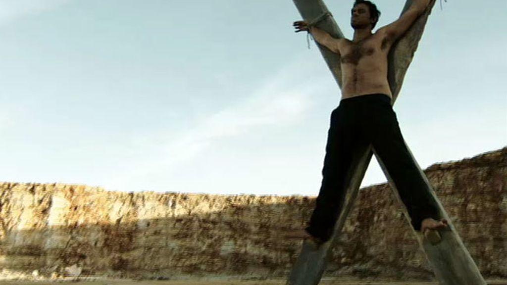 Natael se crucifica por Valeria