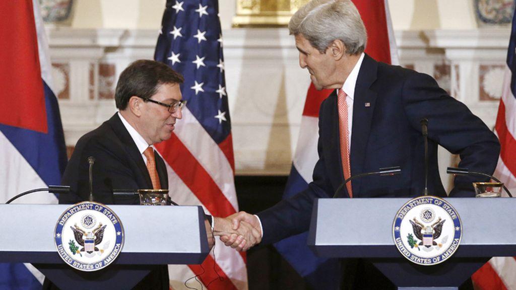 Estados Unidos y Cuba restablecen relaciones diplomáticas