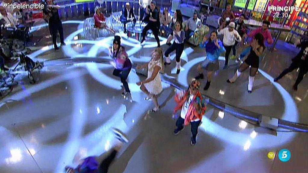 La colaboradora bailó con la canción de la película 'Flashdance'