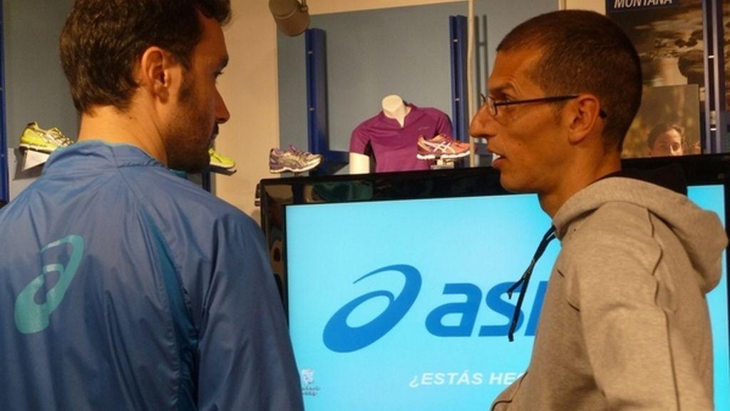 Juanma Castaño y Pablo Villalobos configuran el plan de entrenamiento