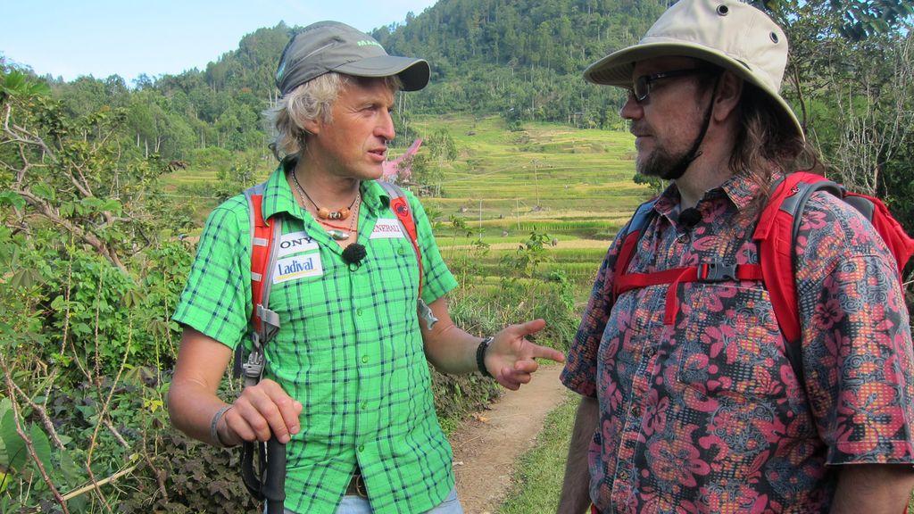 Segura y Calleja se adentran en la isla de Sulawesi (Indonesia)