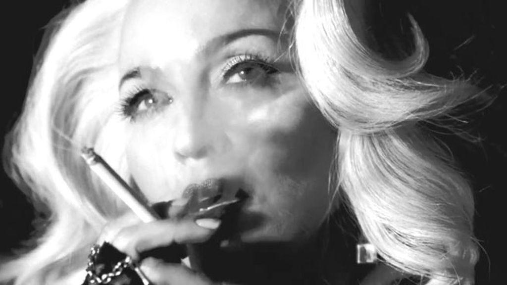 Madonna fumando