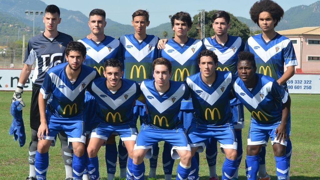 Badalona, 14 años en Segunda División, 8 en Segunda B y 40 en Tercera
