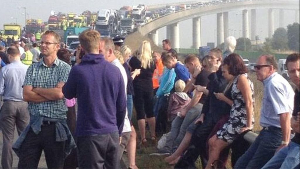 Decenas de heridos por un accidente múltiple en Reino Unido