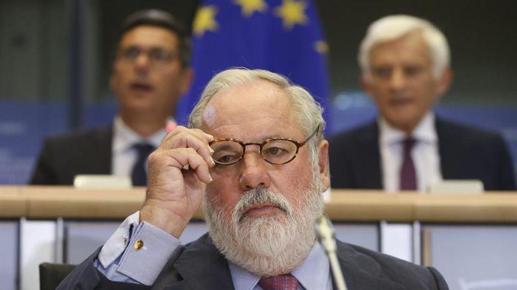 Cañete pide perdón por sus comentarios machistas en la Eurocámara