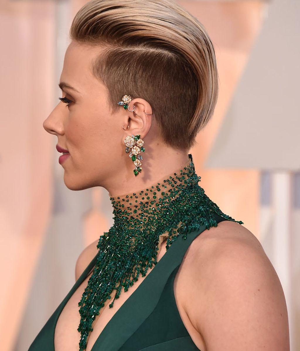 El nuevo peinado a lo mohicano de Scarlett Johansson