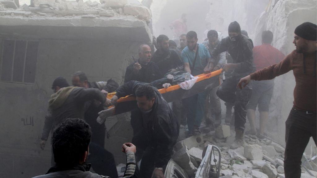 Los rebeldes sirios sufren los bombardeos del ejército leal de Bashar al-Ásad