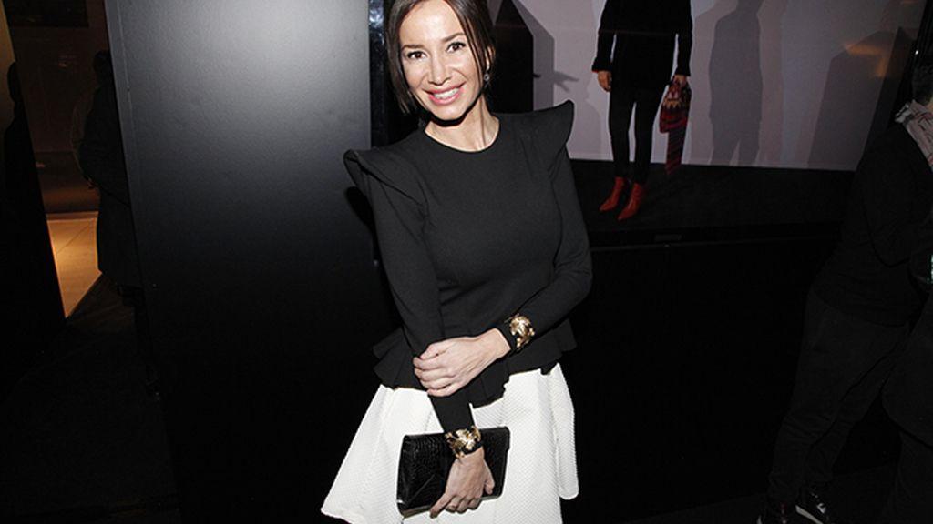 Cecilia Gómez fue a la fiesta con un vestido de la firma Color Nude