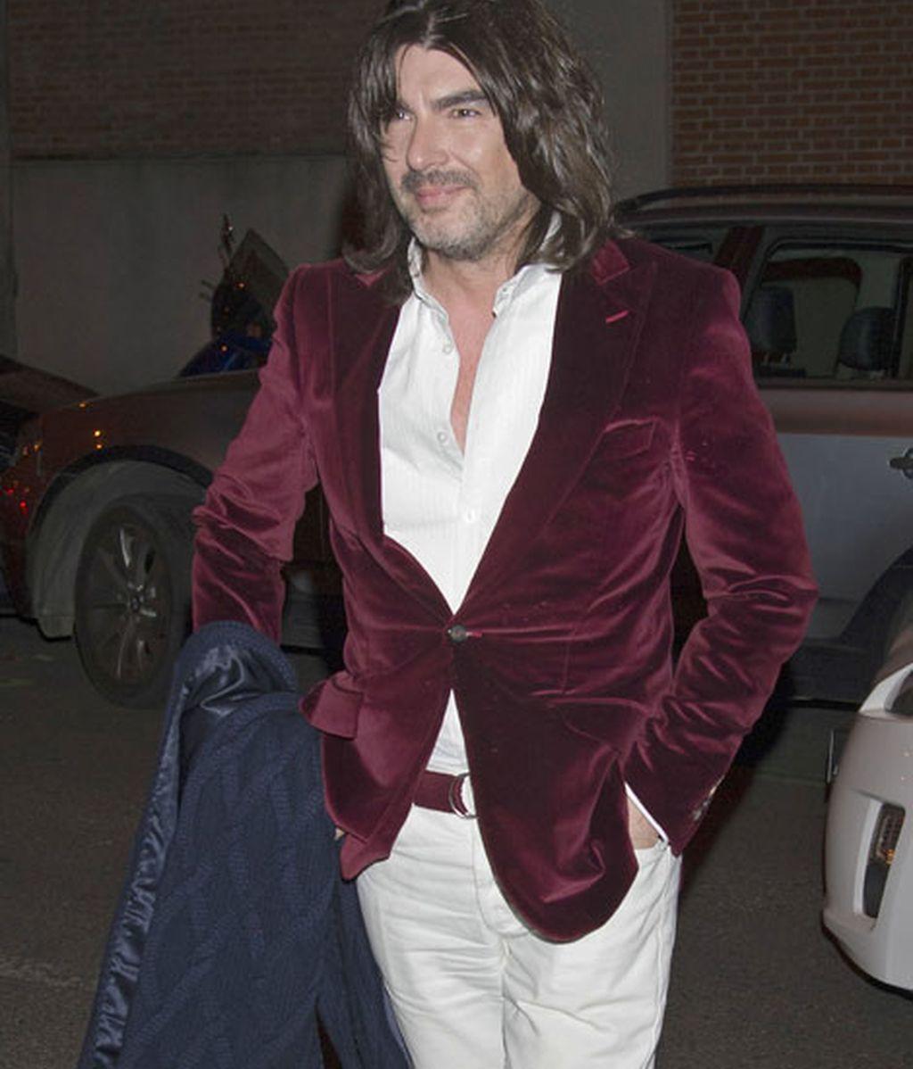 El diseñador francés Stephane Rolland fue uno de los asistentes a la fiesta