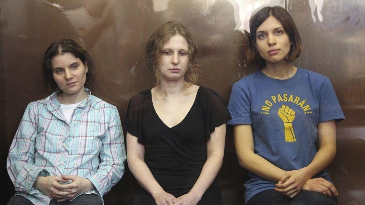 Las cantantes del grupo punk Pussy Riot