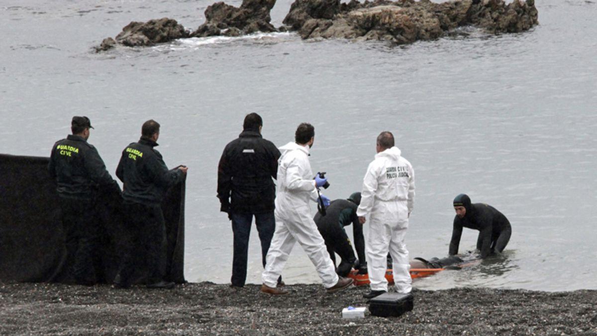 Hallado en una playa de Ceuta un nuevo cadáver de un inmigrante ahogado
