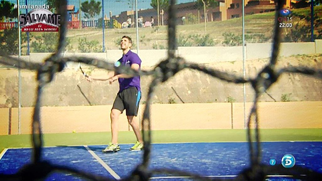 La colaboradora de 'Sálvame' acaba su reto jugando al tenis