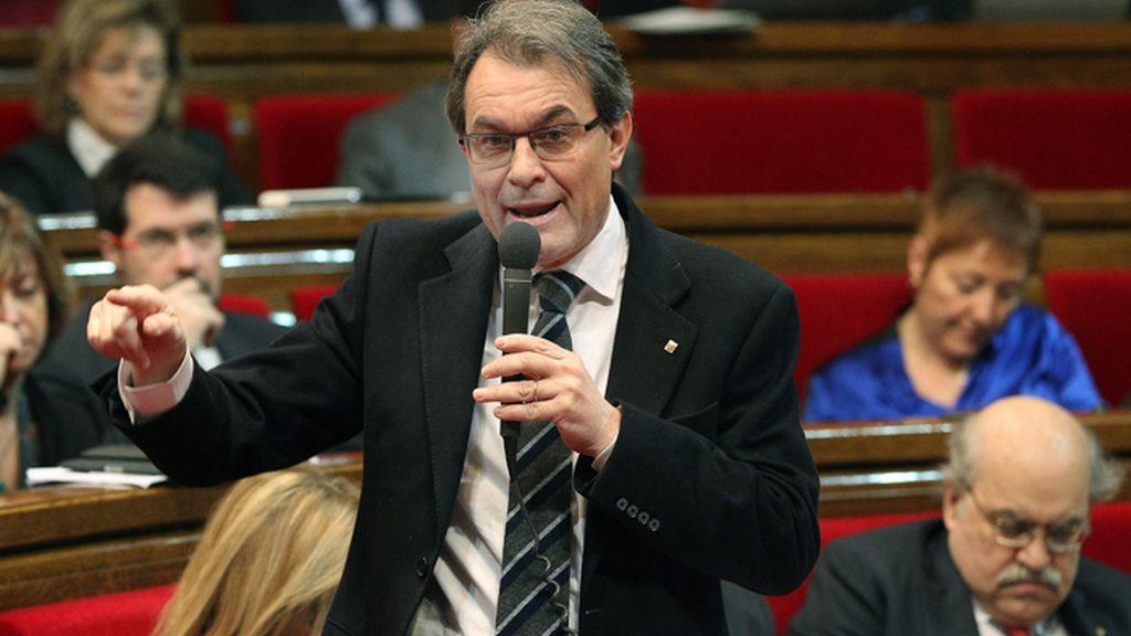 """Mas insta a Rajoy a dialogar y """"escuchar"""" al pueblo catalán en las urnas"""