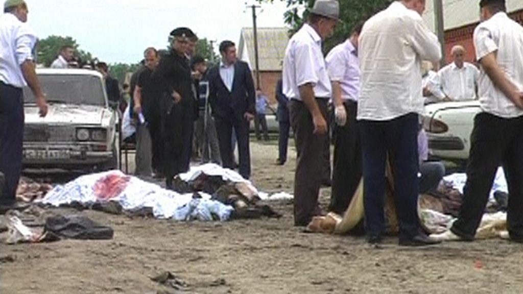 Cinco muertos por un atentado suicida en el funeral de un policía en Rusia
