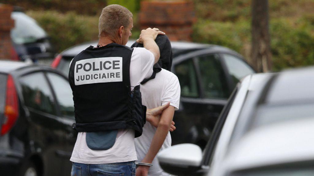 La policía francesa detine a un hombre en relación al atentado de Saint-Etienne-du-Rouvray