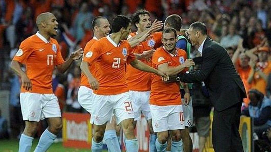El equipo naranja celebra uno de los goles