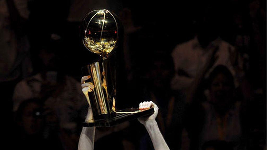 Los Lakers consiguen el anillo