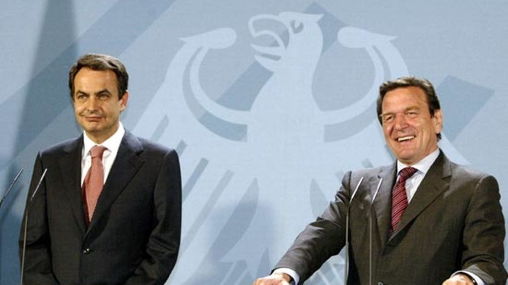 2004: Zapatero y Gerhard Schroeder