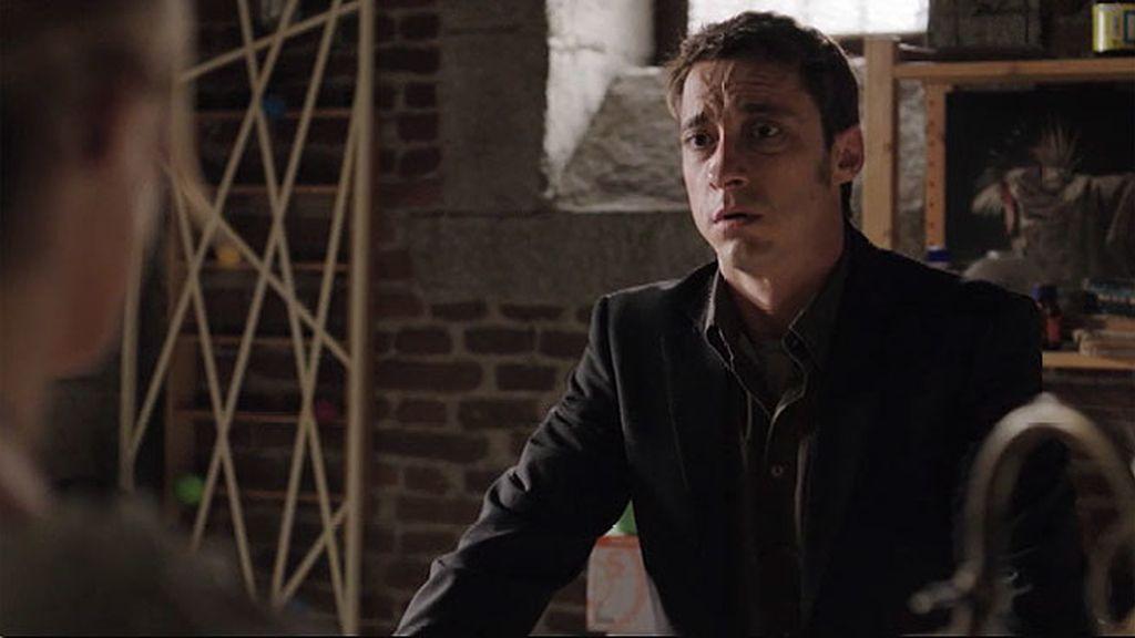 Ramón está desesperado y acude a Alba para ayudar a su hija