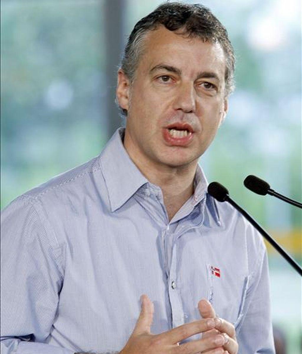 El presidente del PNV, Iñigo Urkullu, durante su intervención en un acto en Durango (Vizcaya) con candidatos del partido para las elecciones municipales y forales. EFE