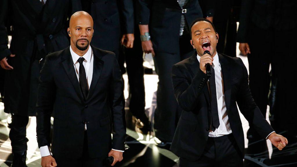 Common y John Legend (mejor canción)