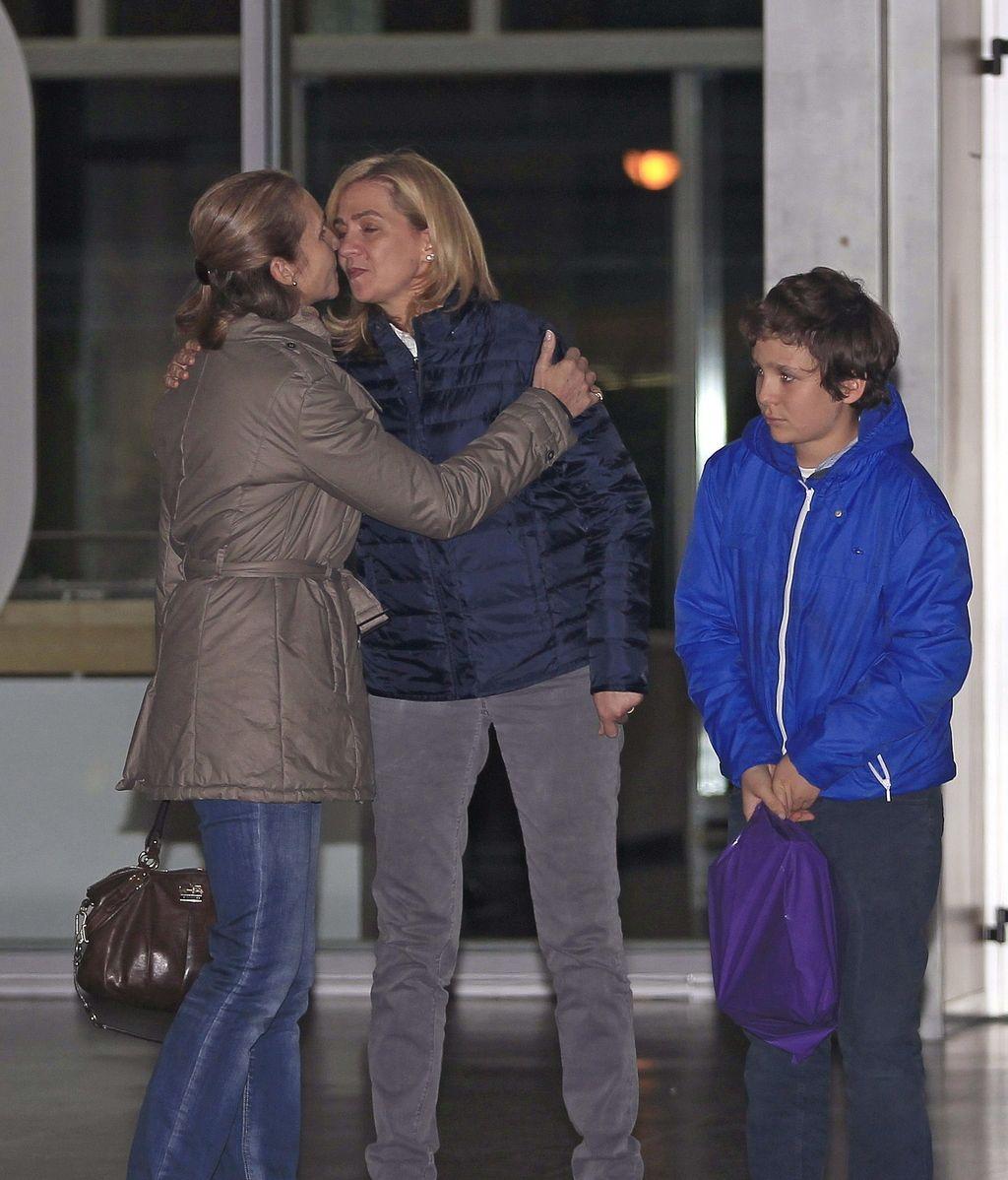 Infanta Elena, Cristina y Frolián. Foto: EFE