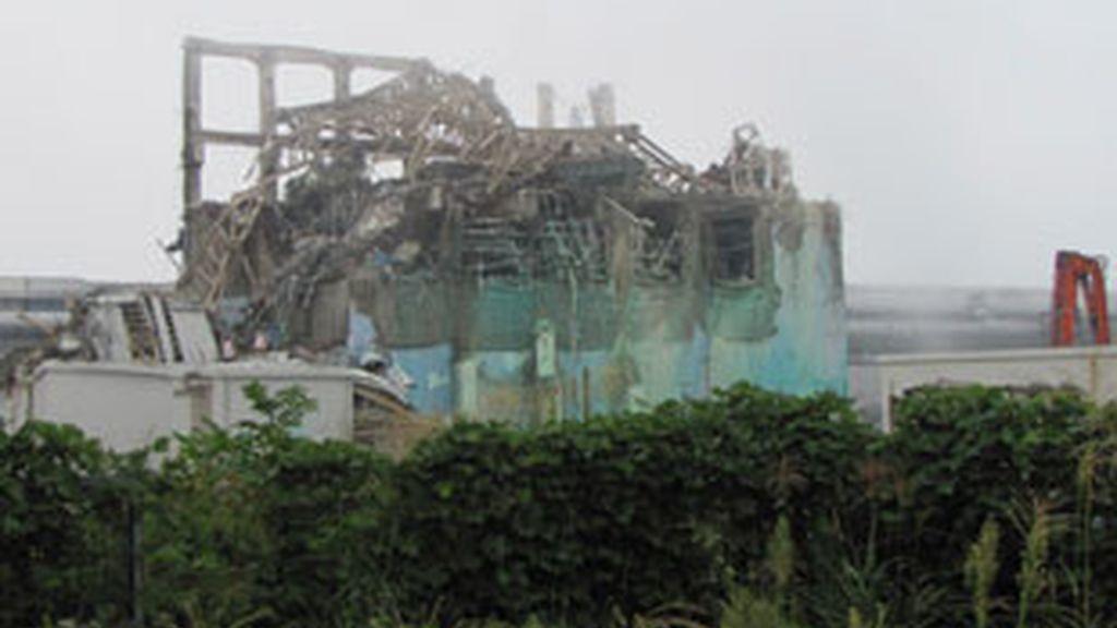 Uno de los reactores de Fukushima, cubierto de escombros. Foto: Reuters