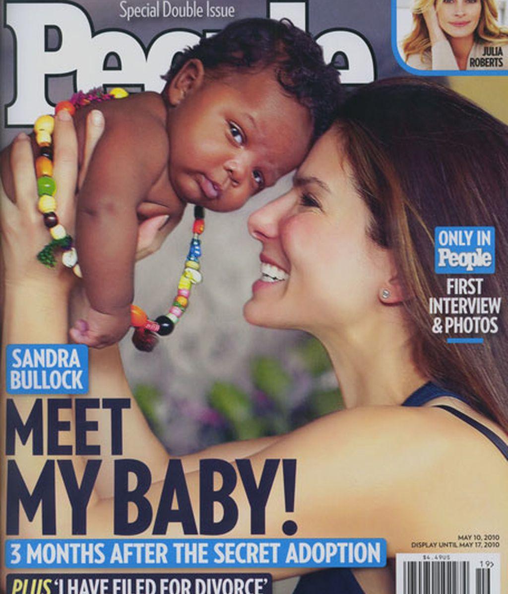 Sandra Bullock y su hijo adoptado Louis
