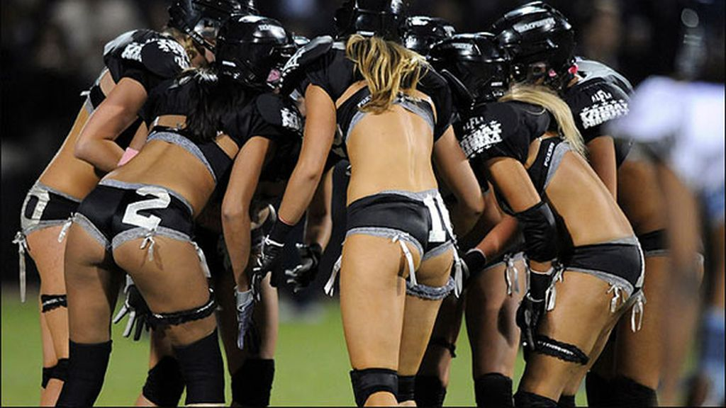 LFL league: Fútbol con poca ropa