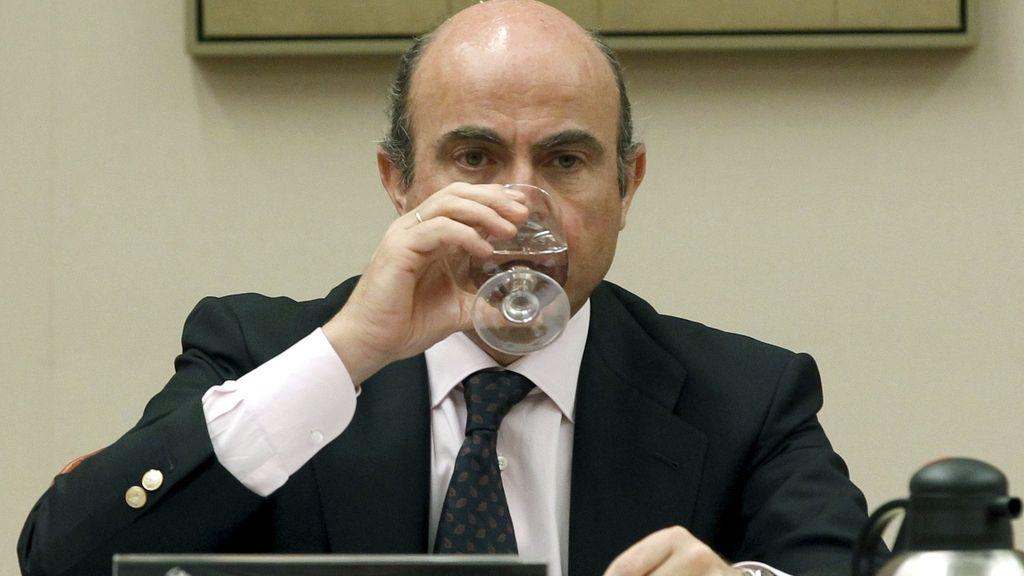 Luis de Guindos explica el rescate a la banca en el Congreso