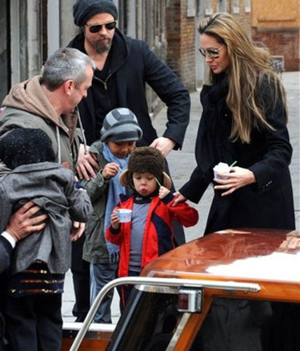 La familia 'Brangelina', en Venecia