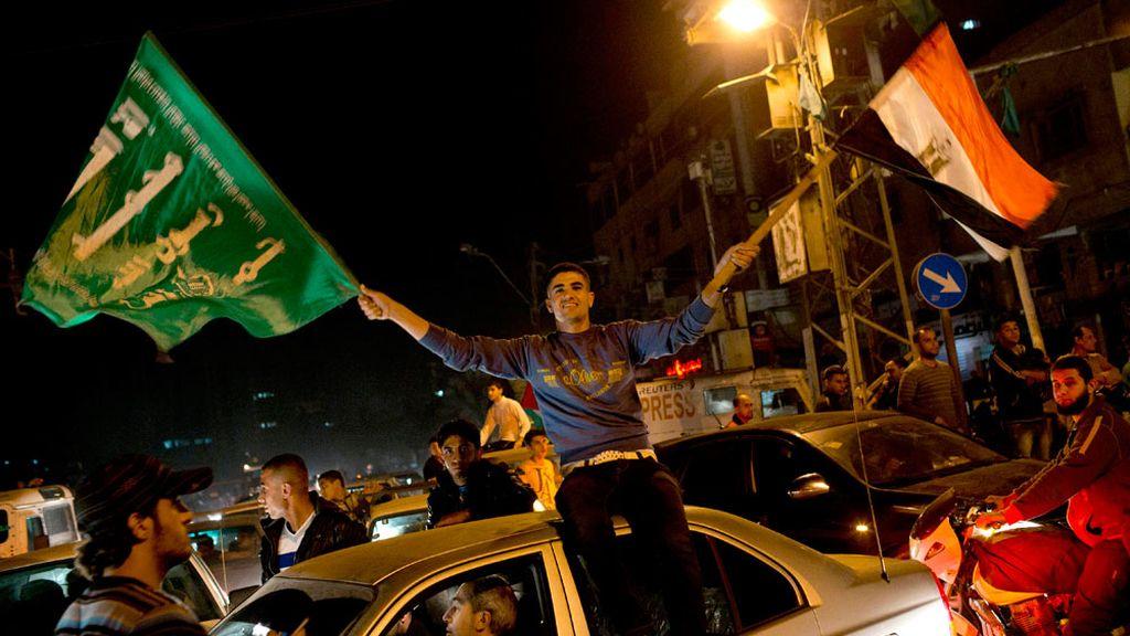 La gente se ha lanzado a la calle en la Franja de Gaza para celebrar el alto el fuego