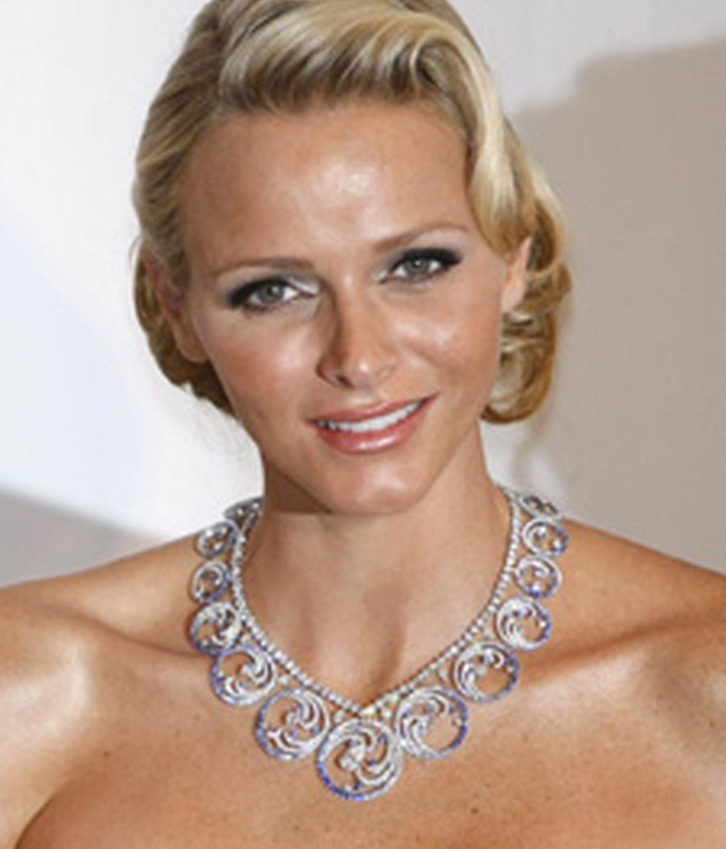 Charlene, radiante con el collar que le regaló Alberto. Foto: Gtres