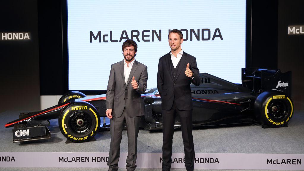 Alonso y Button en la presentación del equipo McLaren