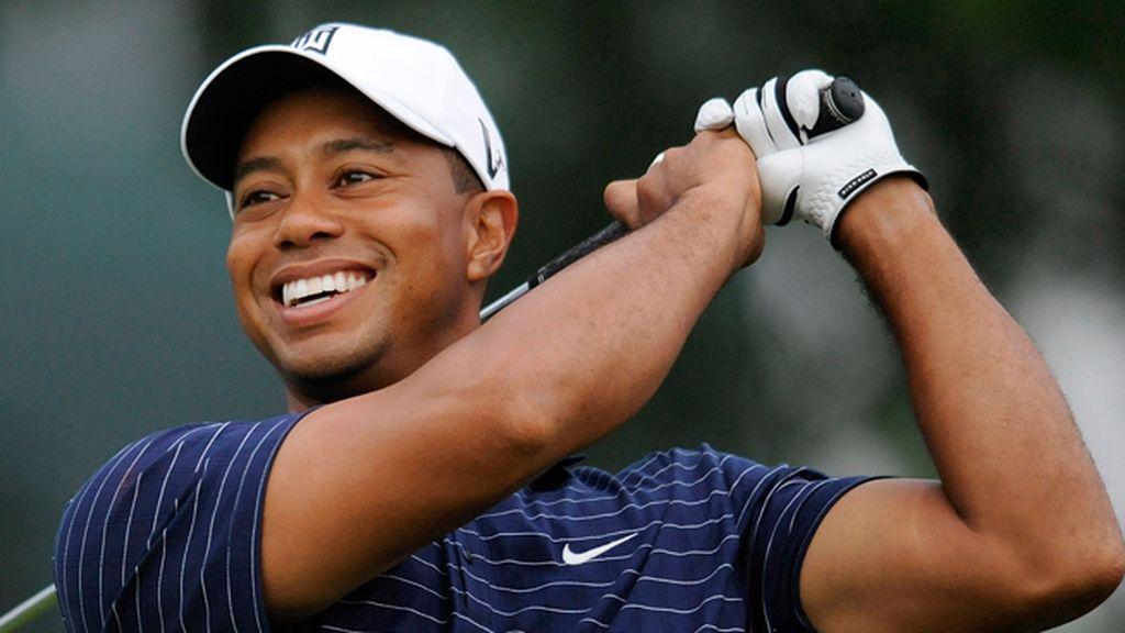 Tiger Woods... no deje sonreir hasta que vea entrar la pelotita