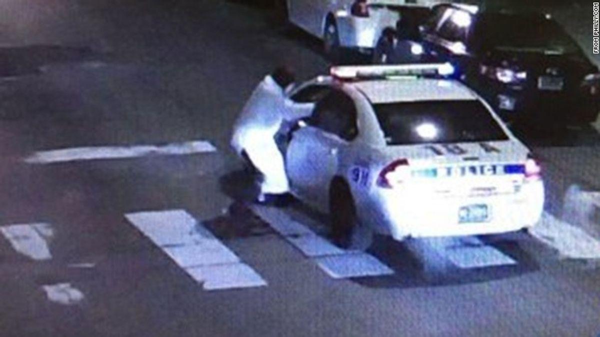 Un hombre hiere en una emboscada a un agente de Policía en Filadelfia