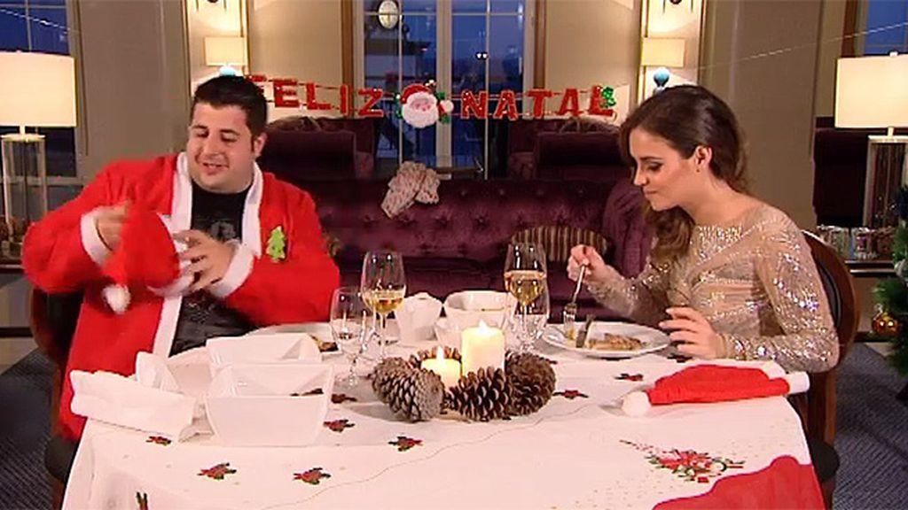Daniel ha recreado una cena de Navidad