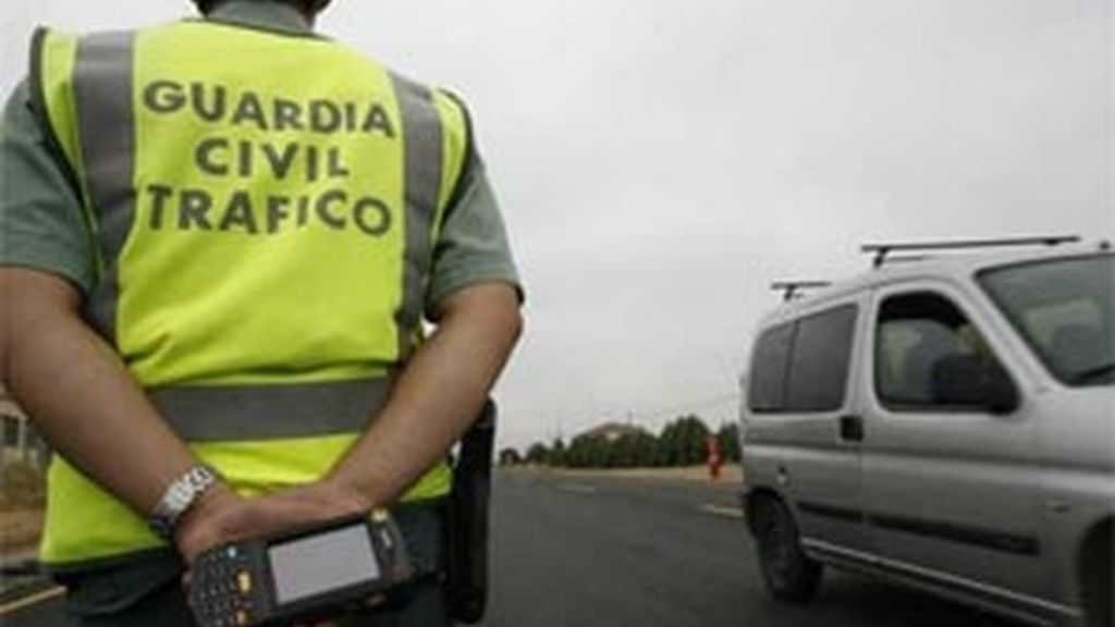 La nueva Ley de Tráfico actualiza el permiso de conducir por puntos y reduce de 27 a 20 los supuestos que ocasionan pérdida de puntos. Foto: Archivo.
