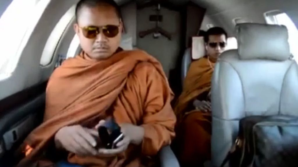 monjes budistas, budistas lujo