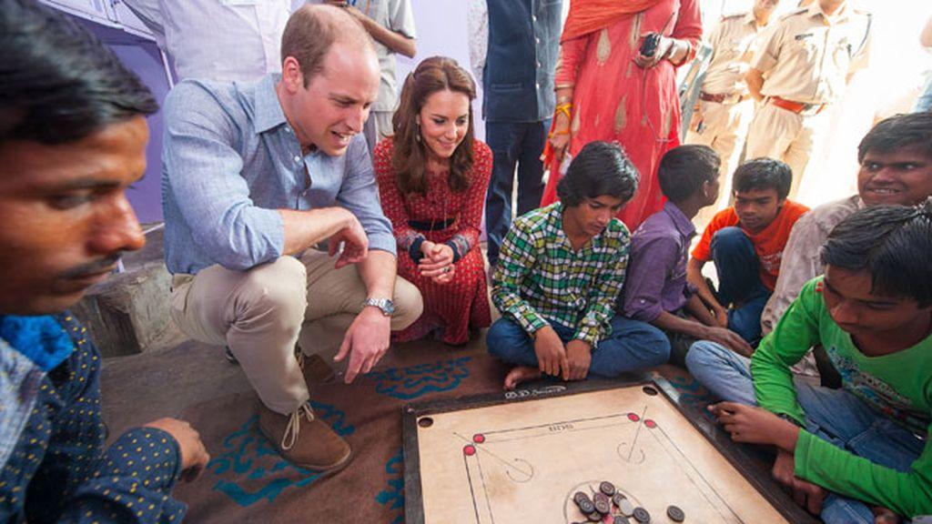 También han practicado el 'carrom', juego típico indio