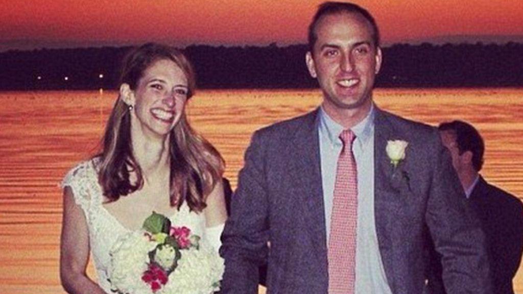 Sorprende a su novia con una boda dos días después de ser diagnosticada con cáncer