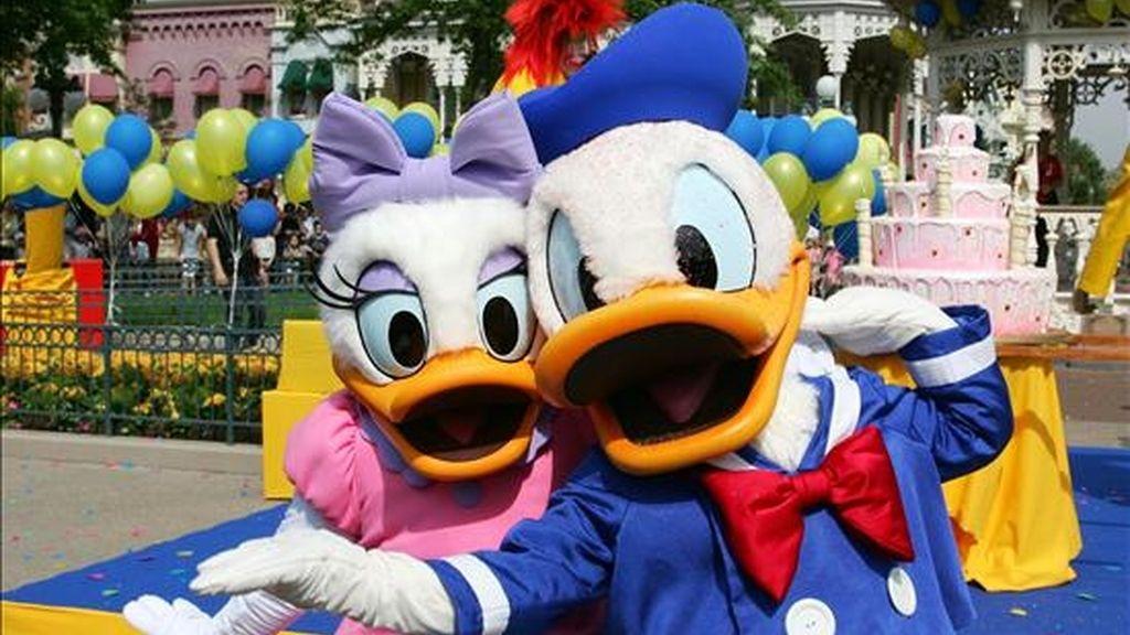 El éxito de Donald fue tal que en la década de los 40 este ave de pluma blanca y traje azul de primera comunión ya había encabezado más historias que el propio Mickey Mouse. EFE