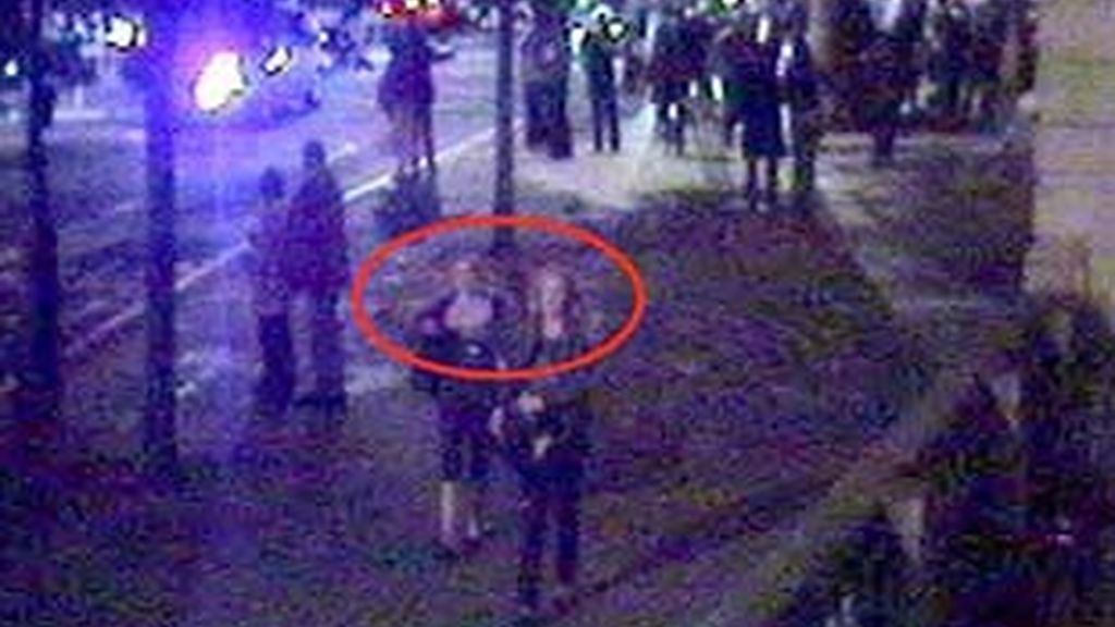 Imagen captada por las cámaras de las dos sospechosas de la policía.