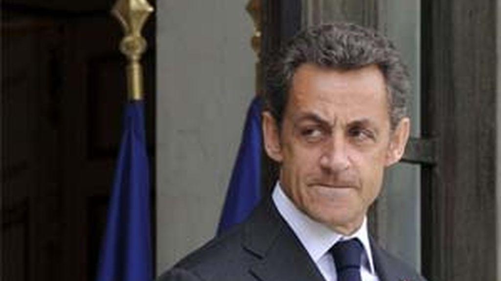 Las llamadas de atención contra la expulsiones de gitanos no hacen mella en Nicolas Sarkozy. Foto: Archivo.