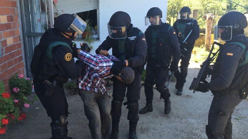 Detenido un hombre que se atrincheró en su casa de Pontevedra con su hijo y su mujer