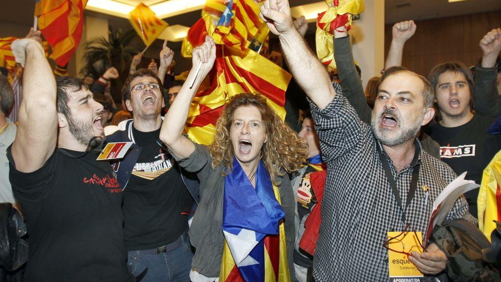Militantes de ERC celebran el resultado de su partido