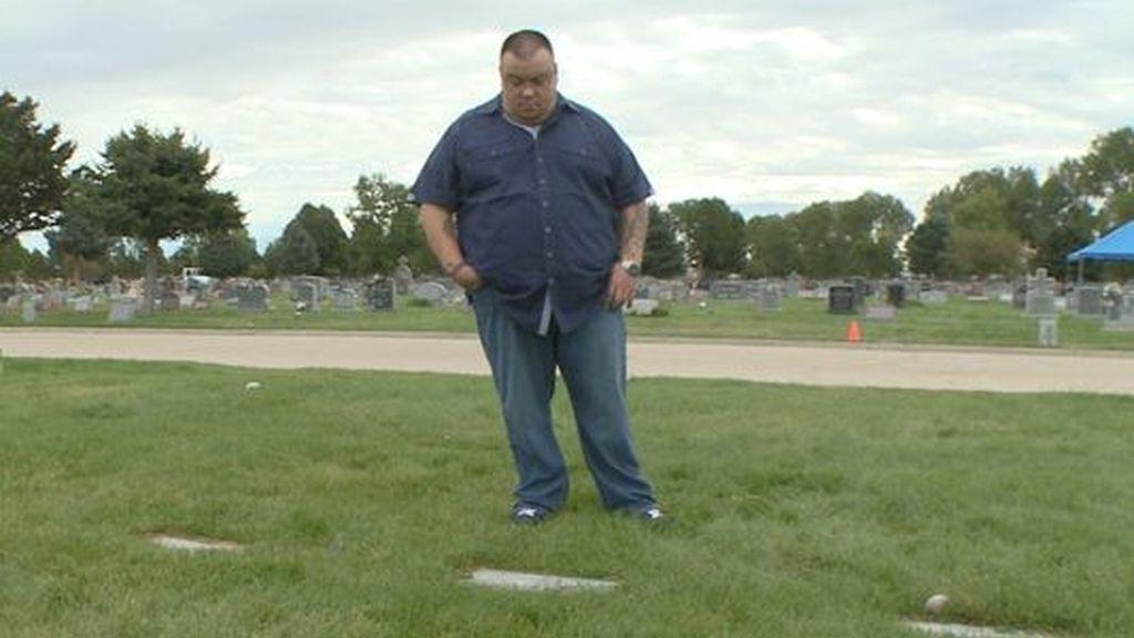 Un padre visita una tumba equivocada durante siete años