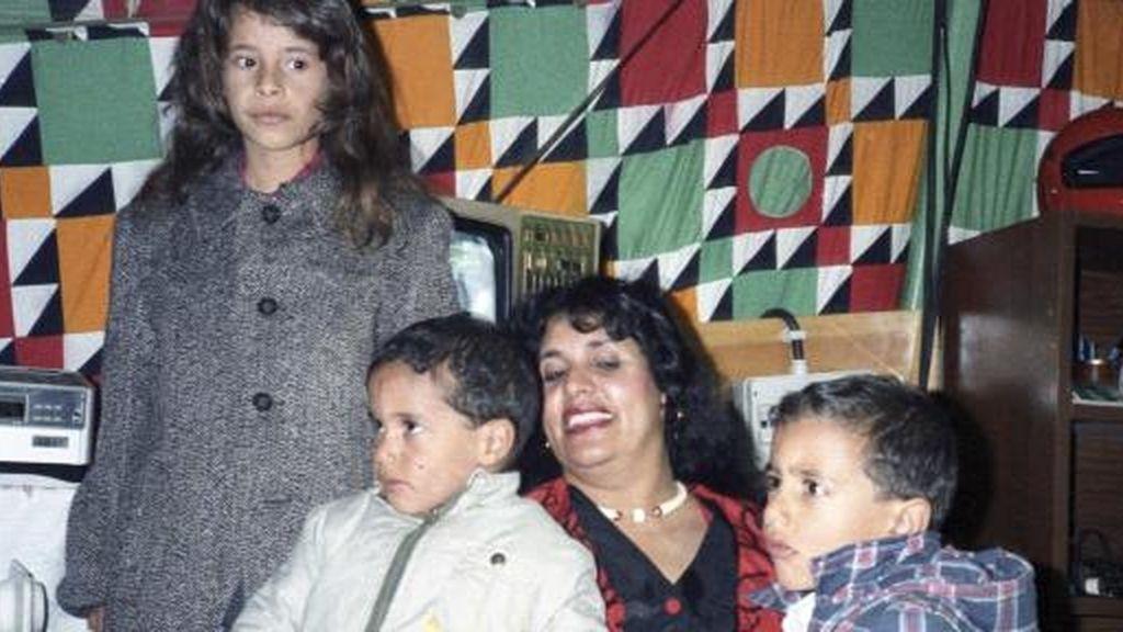 La mujer de Gadafi, con sus hijos