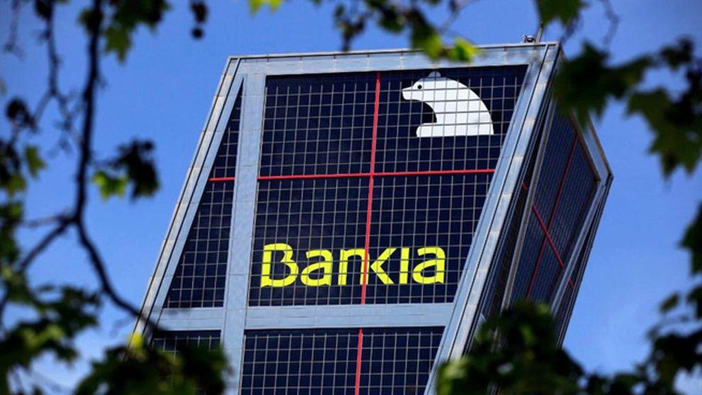 Condenan a Bankia a devolver 60.900 euros a una anciana analfabeta