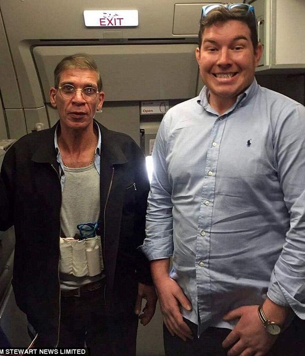 selfie con el secuestrador del avión